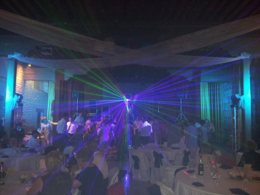 Soirée de mariage avec Show Laser Couleur salle de Bligny sur Ouche Cote d'or