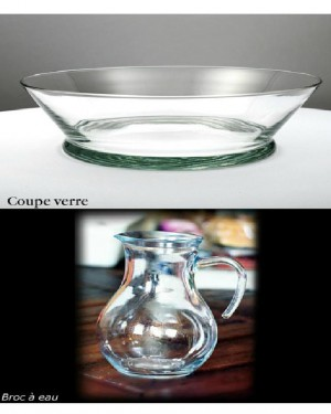 Coupe en verre et broc à eau