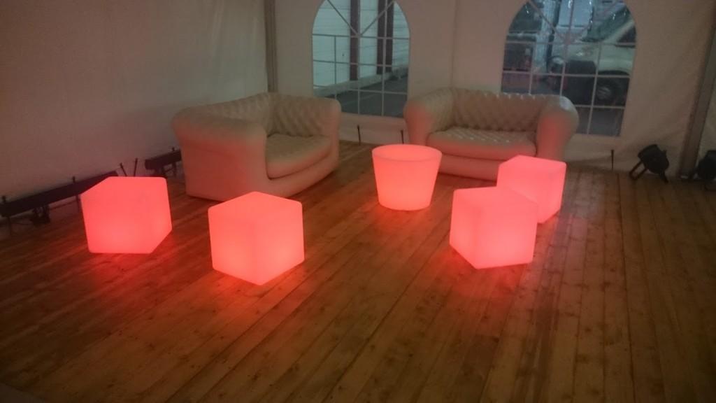 Espace Lounge (Cubes et table basse lumineux) MLA DIJON