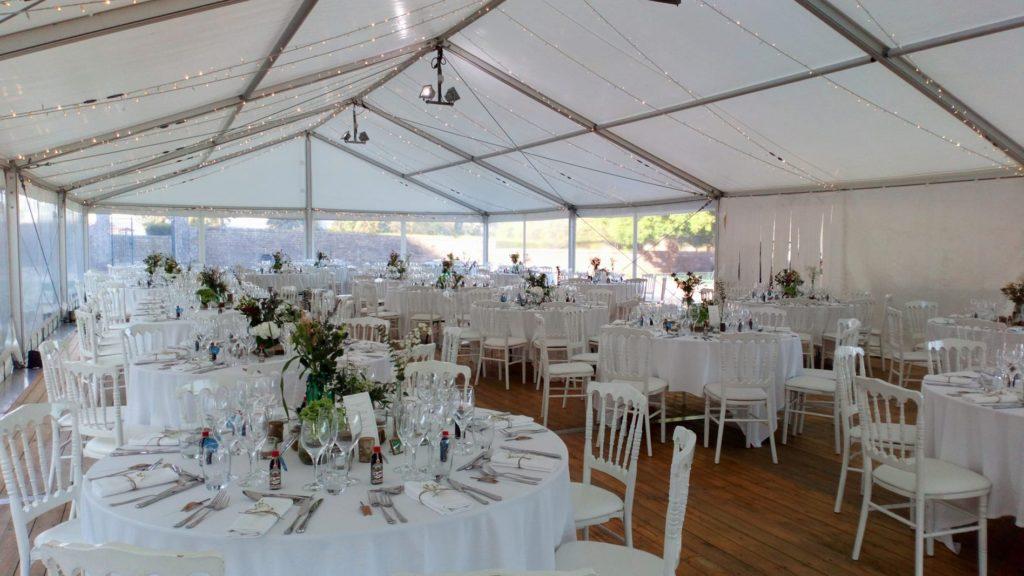 Réception de mariage sous chapiteau By MLA