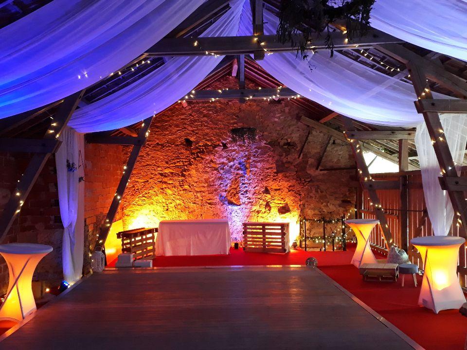 Décoration du grange pour réception de mariage